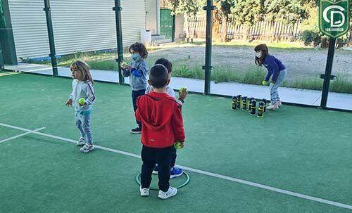 Niñ@s jugando en el Día Lúdico Deportivo